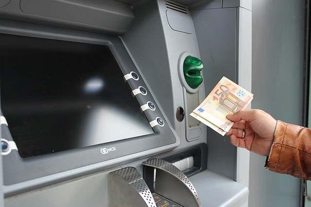 स्टेट बैंक ऑफ इंडिया के एटीएम फ्रेंचाइजी बिजनेस | SBI ATM Franchise Business Idea in Hindi